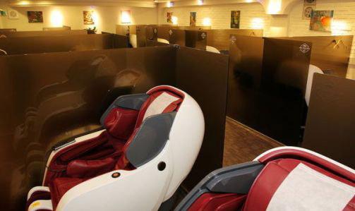 首尔咖啡厅镇店新妙招--按摩椅+心理咨询师
