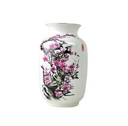 手绘骨瓷花瓶-傲雪红梅