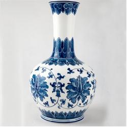 手绘骨瓷花瓶-釉下青花小梅瓶(带木托)