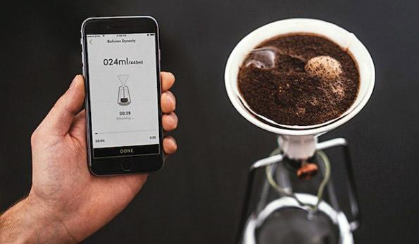 """用手机App""""手冲""""咖啡的器具GINA"""
