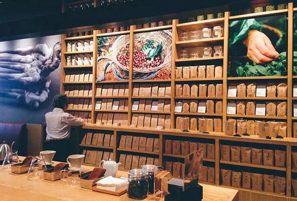 无印良品最近有点火 在中国的第一家咖啡馆开张了