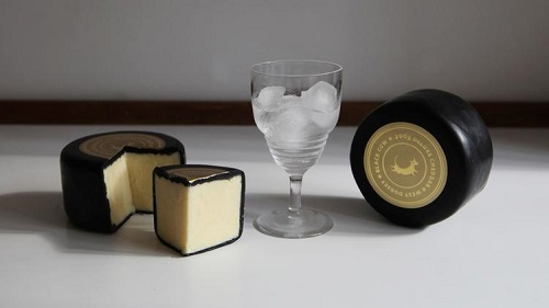 英国一企业专产创意牛奶伏特加酒