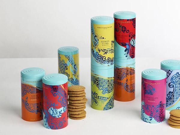 Fortnum & Mason的饼干新包装: 灵感源自精美陶瓷餐具