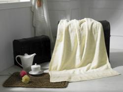 米色缎档浴巾