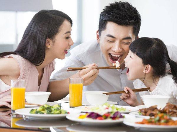 餐饮,中式餐饮,餐饮上市公司表现一地鸡毛 中式餐饮痛点如何克服?