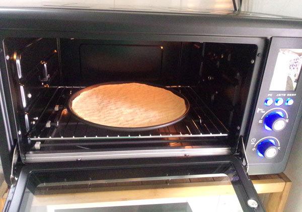 怎么用烤箱烤披萨 烤箱烤披萨的做法