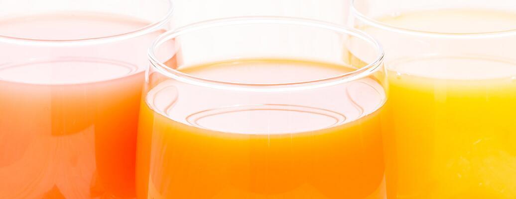 鲜榨即灌果汁