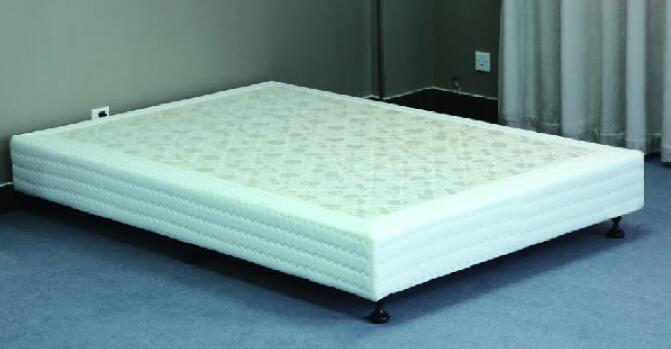 诺依曼实木床架