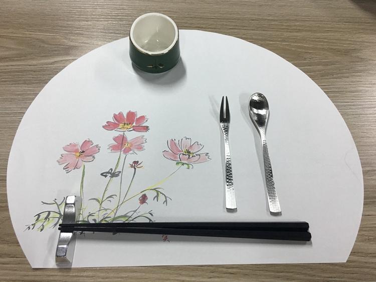 四季餐垫纸半月形