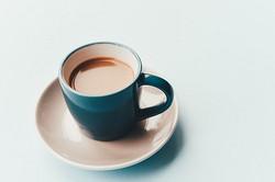 连咖啡联手GUESS推出专属春夏杯装