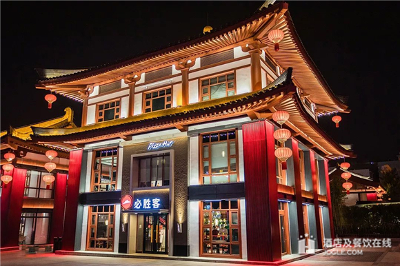 """必胜客,陕西历史博物馆,镶金兽首玛瑙杯,大雁塔,必胜客的""""博物馆""""餐厅设计,居然还有国宝文物?"""